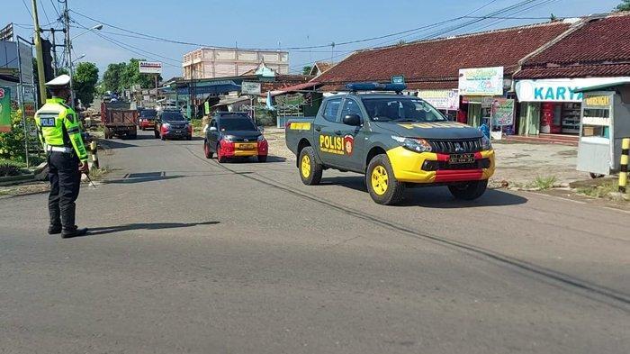 Polres Lampung Utara Gelar Patroli Skala Besar Bersama Brimob dan TNI