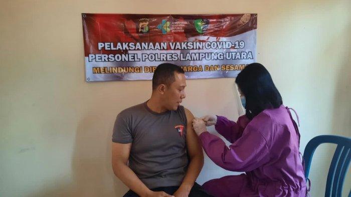 Polres Lampung Utara Gelar Vaksinasi Covid-19 Tahap Pertama