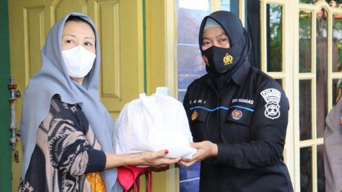 HUT Ke-75 Bhayangkara, Polres Lamsel Bagikan 1.100 Paket Gratis