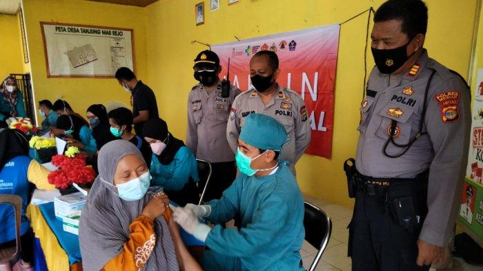 Polres Mesuji Gelar Vaksinasi di Kecamatan Mesuji Timur
