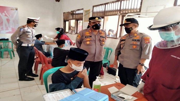 Polres Mesuji Lampung Gelar Vaksinasi Massal di Pondok Pesantren, 'Targetnya 500 Orang'