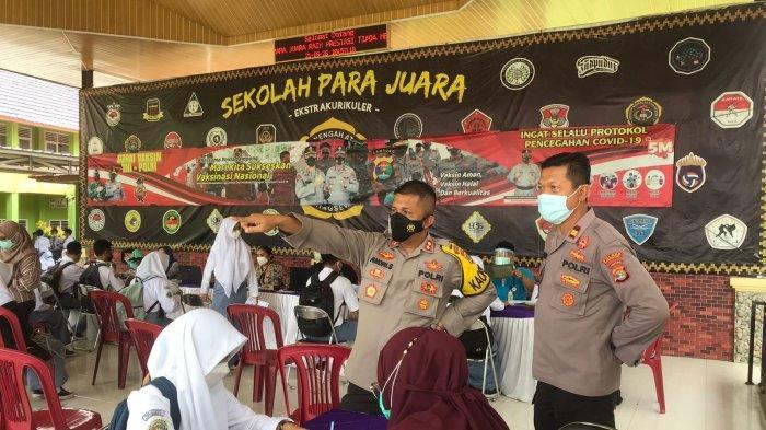 Polres Pringsewu Lampung Gelar Vaksinasi Goes to Campus di SMAN 1