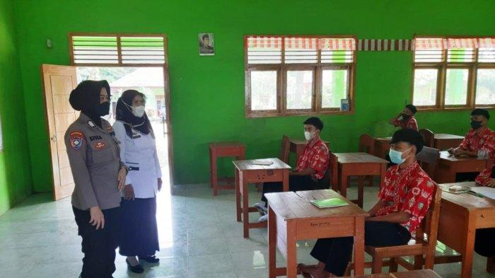 Polres Pesawaran Sosialisasi tentang Kenakalan Remaja dan Bahaya Narkoba ke Pelajar