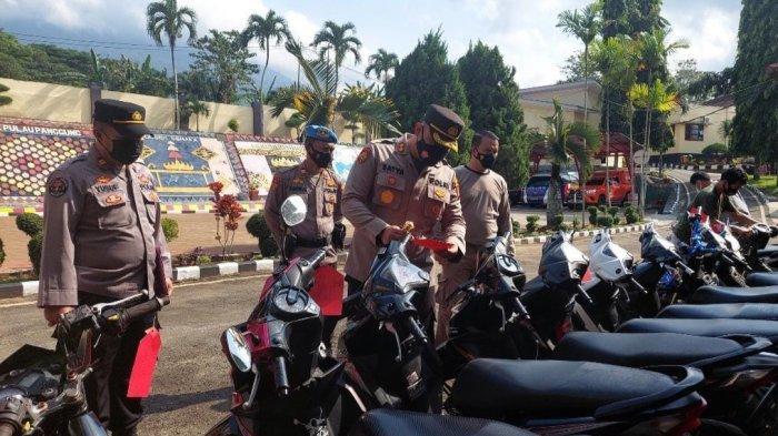 Amankan 14 Motor, Polres Tanggamus Ringkus 2 Spesialis Pembobol Rumah Lintas Kabupaten