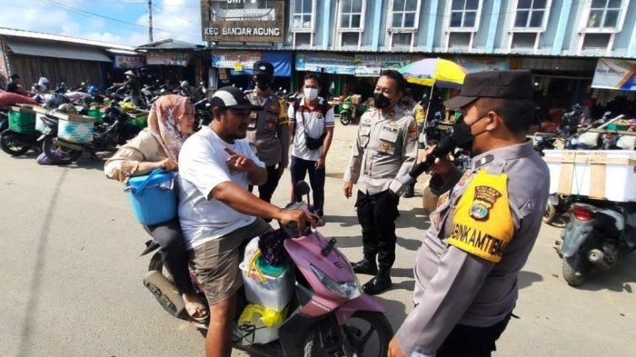 Polres Tulangbawang Lampung Gelar Razia Prokes, Pelanggar Dihukum Push Up