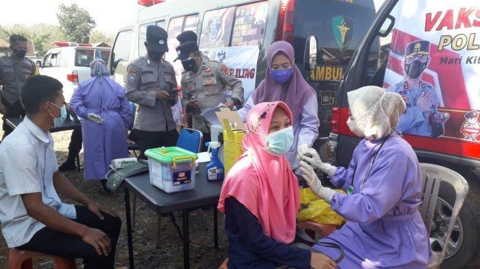Polres Way Kanan Buka Dua Gerai Vaksinasi Keliling di Kampung Negeri Baru