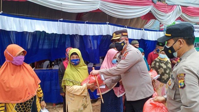 Disaksikan Presiden Jokowi, Polres Way Kanan Lampung Gelar Vaksinasi Merdeka di Ponpes