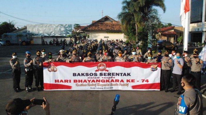 Polresta Bandar lampung Bagikan 1.000 Paket Sembako Peringati HUT ke-74 Bhayangkara
