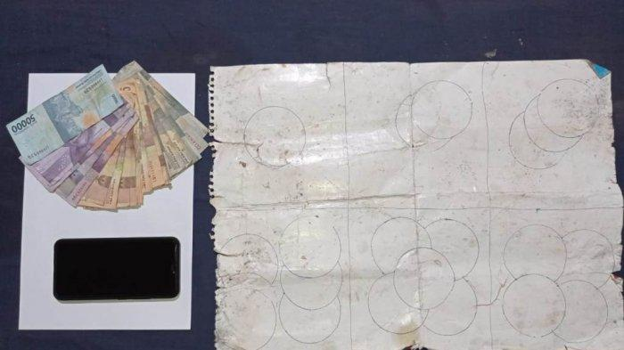 Polsek Batanghari mengamankan barang bukti judi koprok, Minggu (7/2/2021).