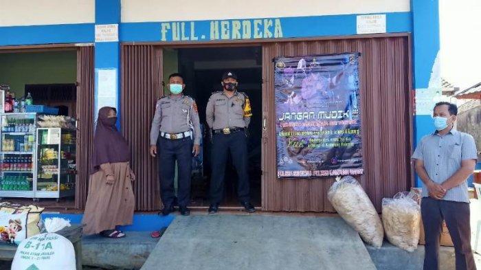 Polsek Sekincau Pasang Banner Imbauan Larangan Mudik di Sejumlah Titik