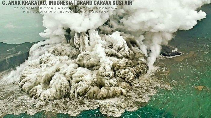 Dikhawatirkan Bisa Menimbulkan Tsunami Susulan, BMKG Temukan Retakan Baru di Gunung Anak Krakatau!