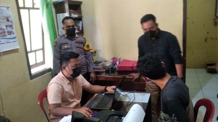 Bg, warga Kecamatan Jati Agung, Lampung Selatan, tega merudapaksa seorang perempuan yang masih keluarganya sendiri.