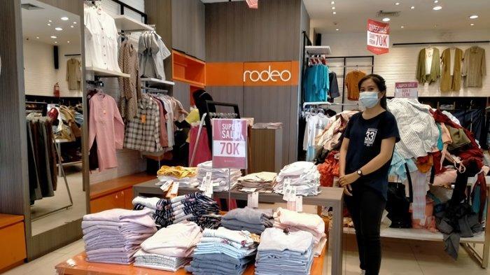 Promo Super Sale Rodeo di Mall Boemi Kadaton, Kaus hingga Kemeja Mulai dari Rp 70 Ribu