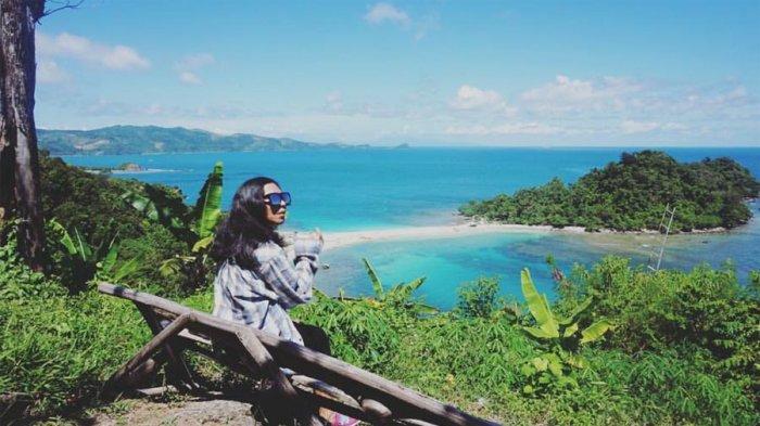 Nikmati Pemandangan Indah dari Bukit Pandang Pulau Mengkudu