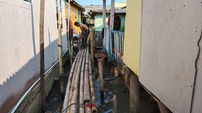 Pasca Dihantam Ombak Besar, Puluhan Rumah di Teluk Lampung Diperkuat