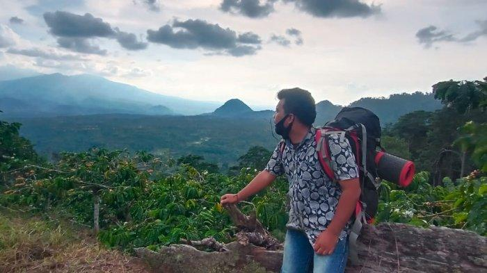 Puncak Gunung Ijul Lampung Utara, Tawarkan Keindahan Seperti Berada di Atas Awan