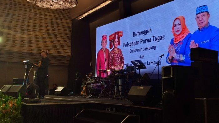 Masa Tugas sebagai Gubernur Lampung Berakhir, Ridho dan Yustin Tak Kuasa Tahan Air Mata