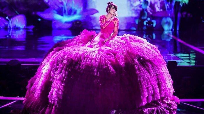 Raisa Kenakan Gaun Sebesar Ini, Netizen: Itu Baju Bagaimana Cara Pakainya?