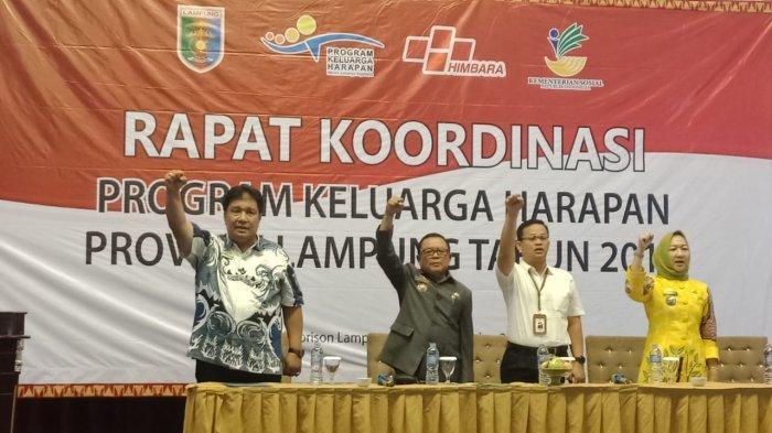 Dinas Sosial Provinsi Lampung Beri Penghargaan Pelaksana PKH Terbaik