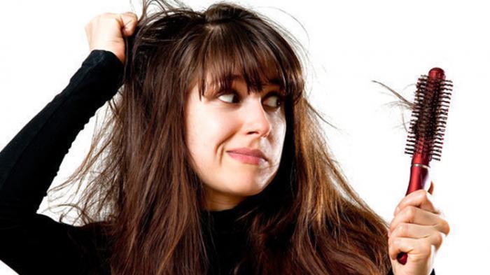 Rambut Rontok, Penyebab dan Cara Menanganinya