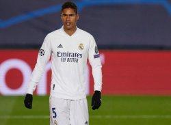 Pelatih Real Madrid, Zinedine Zidane Ingin Segera Melepas Varane pada Bursa Transfer Musim Panas