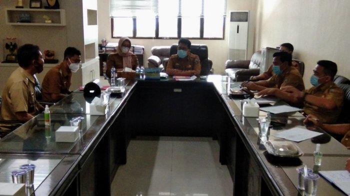 Ratusan Kades yang Datang Kantor Bupati Lampung Selatan Pertanyakan Tunjangan