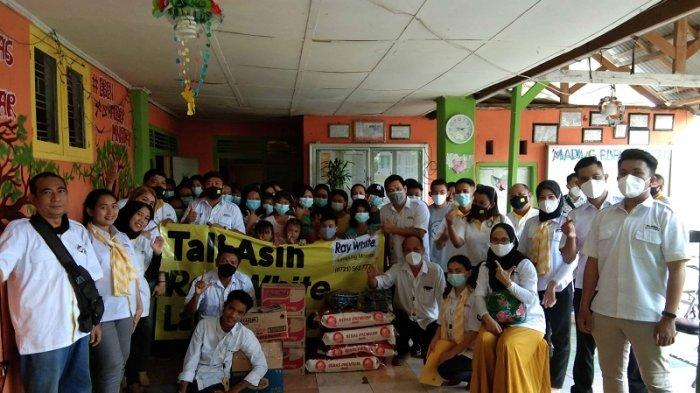 Anniversary Ke-1, Ray White Lampung Morotai Bakti Sosial dan Tali Asih ke Panti Asuhan