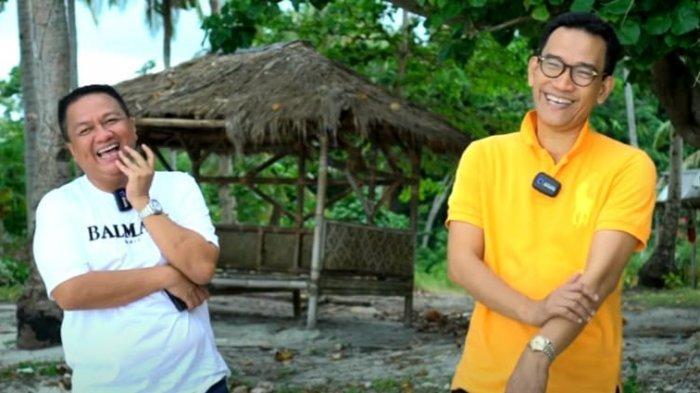 Refly Harun (kanan) bersama owner Tegal Mas, Thomas Azis Riska, saat berkunjung ke Lampung 24 Maret 2021.