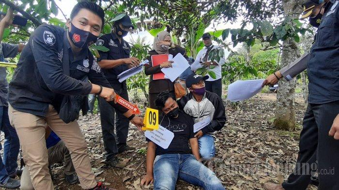 Rekonstruksi Ungkap Kronologi Pembunuhan Mahasiswa Unila, Korban Sempat Tendang Pelaku