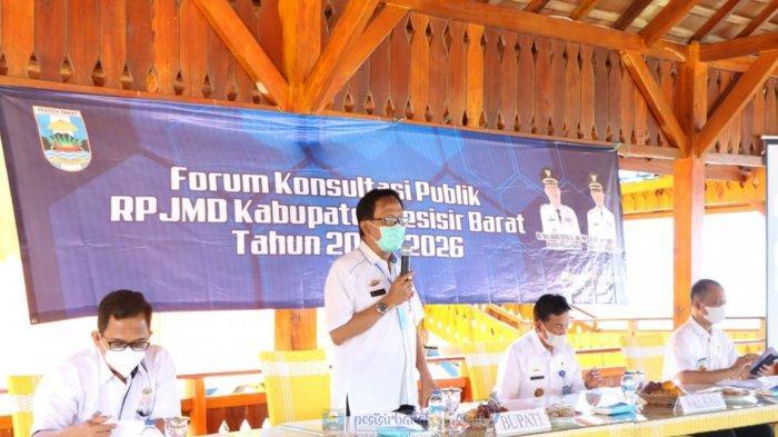 Agus Istiqlal Buka Forum Konsultasi Publik RPJMD Kabupaten Pesisir Barat Tahun 2021-2026