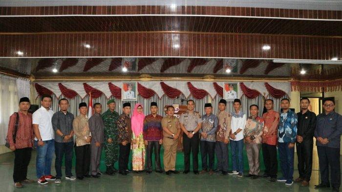 Resmi Berganti, KPU Lampung Barat Gelar Pisah Sambut 5 Komisioner