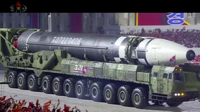 Penampakan Rudal Terbesar Korea Utara yang Mampu Jangkau Semua Daratan AS