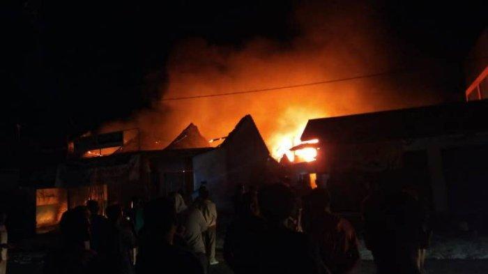Gerai Bakso Sony di Natar Lampung Selatan Terbakar, Kobaran Api Membumbung Tinggi