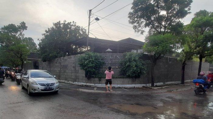 KPK Geledah Rumah Azis Syamsuddin di Way Halim Permai Bandar Lampung