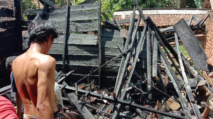 Rumah Warga Adiluwih Pringsewu Terbakar, Api Diduga dari Tungku