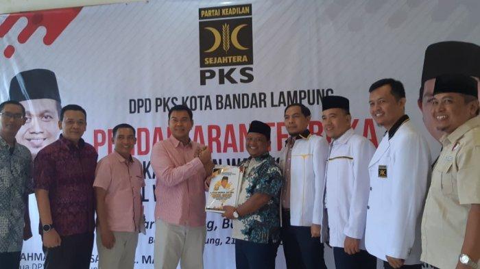 Kembalikan Berkas Penjaringan PKS,  Rycko dan Hanafiah Hamidi Usung Visi Bandar Lampung Baru