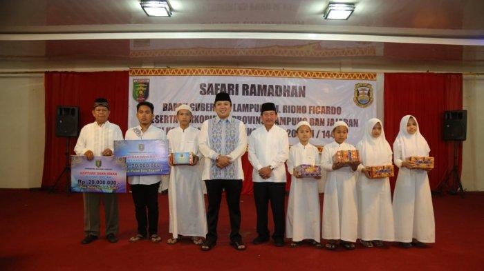 Gubernur Lampung Ridho Ficardo Safari Ramadhan dengan Wali Kota Bandar Lampung Herman HN