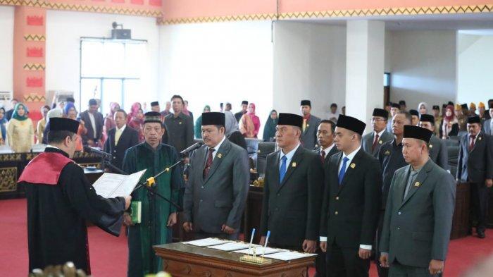 Sah! Politisi PDIP Pesawaran, M Nasir Pimpin DPRD Pesawaran, Ini 3 Wakilnya yang Juga Dilantik