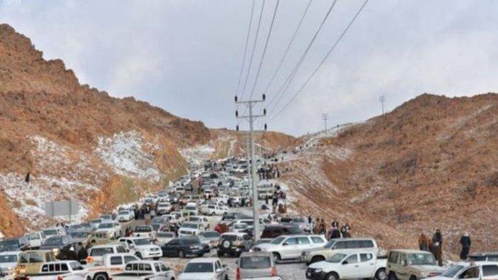 Pertanda Apakah Ini, Subhanallah, Salju Tebal Selimuti Arab Saudi