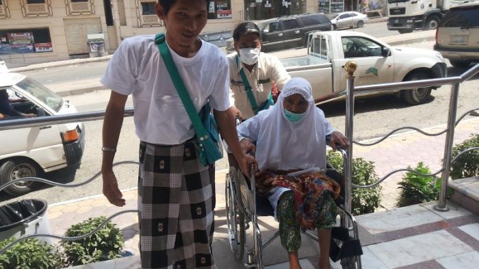Salmi dan Alhyar, Suami Istri Calon Haji Asal Lampung Harus Dirawat Bersama