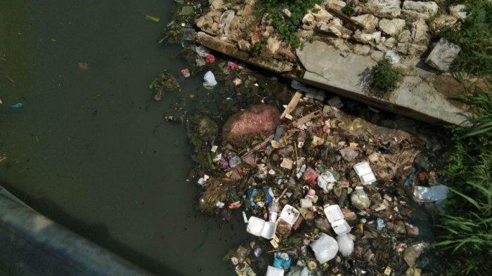 Pantau Aliran Sungai Banyak Sampah di Bandar Lampung