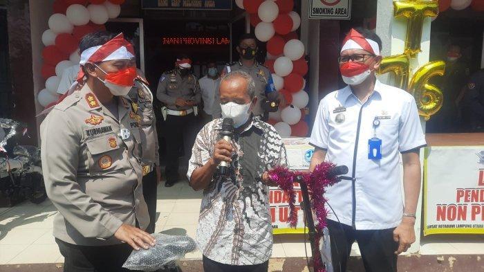 Kapolres Lampung Utara Bagikan Doorprize pada Warga Taat Pajak