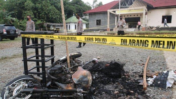 Satu Kepala Desa Ditetapkan Sebagai Tersangka Perusakan dan Pembakaran Mapolsek Candipuro