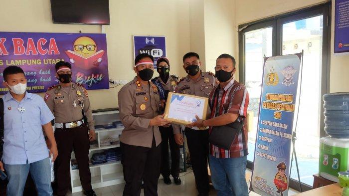 Satlantas Polres Lampung Utara Bagikan Doorprize