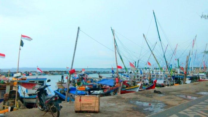 Angin Kencang, Sebagian Nelayan di Pesisir Lampung Selatan Pilih Cari Ikan di Sekitaran Pulau Kecil