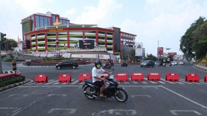 Imbas Penyekatan Jalan di Bandar Lampung, Tak Ada Petugas di Lokasi, Pengendara Bingung