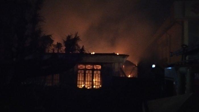 Mobil Damkar Tiba Setengah Jam Pasca Kebakaran di Natar Lamsel