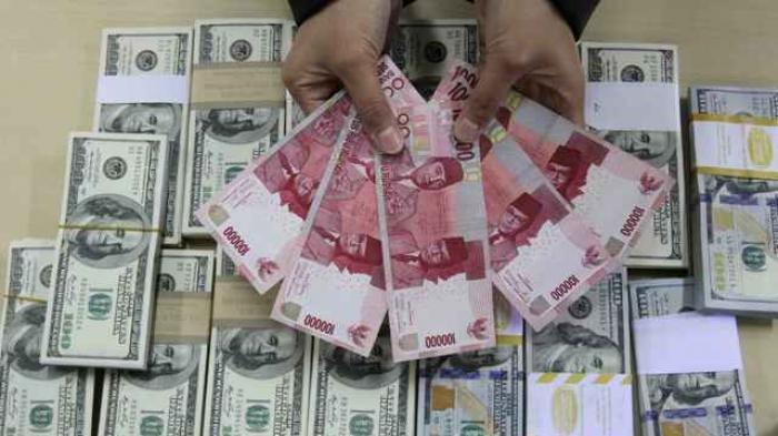 Sempat Menguat, Rupiah Kembali Melemah Kamis, 27 Agustus 2020, Rp 14.708 per Dollar AS
