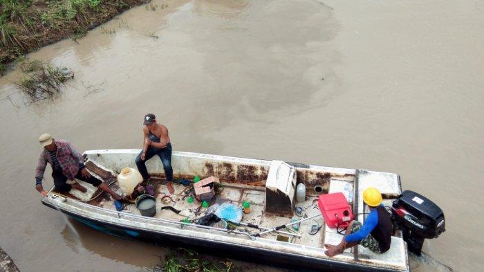 Hujan, Aliran Irigasi Banjiri Sawah di Desa Pulau Jaya Lamsel. Petani Minta Normalisasi Irigasi