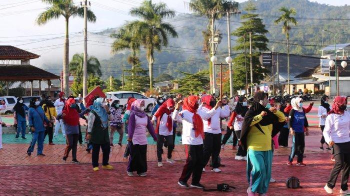 Pemkab Lampung Barat Gandeng Yayasan Jantung Sehat Galakkan Senam Jantung Sehat